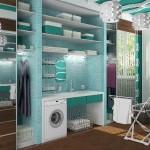 Белые жалюзи в гармонии с бирюзовым помещением гардеробной комнаты от салона штор Декория