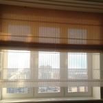 Белая и бежевая, многослойные шторы в римском стиле для балконов от салона штор Декория