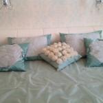 Декоративные подушки и покрывало для спальни в классическом стиле в салоне штор Челябинске - Декория