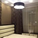 Тяжелые теневые шторы коричневого цвета от салона штор Декория в Челябинске