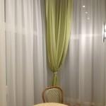 Шторы нежно оливковые с белыми, для современного интерьера, от салона штор и ателье Декория