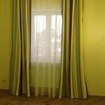 Яркие шторы на люверсах из ткани с продольными полосами под заказ недорого от салона штор Декория