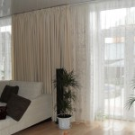 Тяжелые белые шторы в гостиную от салона штор Декоия