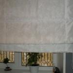 Римские шторы белые, плотная ткань, под заказ от салона штор Декория