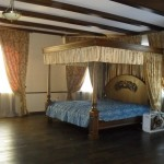 Роскошный текстиль, шторы, балдахин, покрывало для спальни от салона Декория