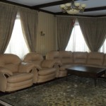Классические теневые шторы для гостиной на заказ от салона штор декория