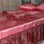 роскошное алое покрывало, изготовленное на заказ от салона Декория в Челябинске