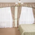 Классические светлые шторы на заказ для спальни от салона штор Декория