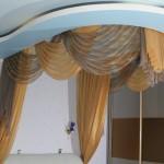 Оригинальный золотой балдахин над кроватью под заказ от салона штор Декория