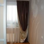 В современном дизайне интерьера, двусторонние шторы контрастных цветов от салона штор Декория