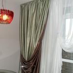 Оливково-шоколадные двухсторонние шторы от салона Декория
