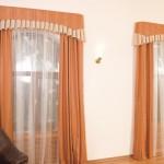 Яркие классические шторы от салон штор Декория