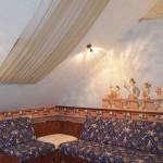 Легкие светлые шторы для окон мансардного типа, от салона штор Декория