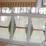 Летний стиль штор в интерьере в римском стиле от салона штор и ателье Декория