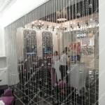 Шторы нитяные, кристаллы разной формы. Салон штор Декория